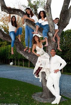 Family portrait: While Jennifer has been in the Caribbean filming, she has been apart from... Jennifer Lopez Family, Family Portraits, Family Photos, Dance Online, Chelsea, New Children's Books, Alex Rodriguez, Happy Labor Day, Poses For Pictures