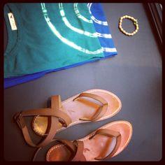 Les sandales Soeur & t-shirt :-)