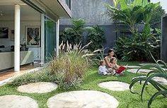 Resultado de imagem para jardim de casa