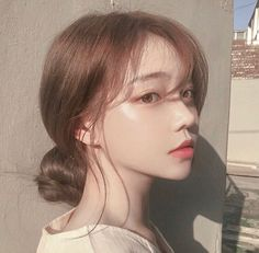 Image about girl in 𝒖𝒍𝒛𝒛𝒂𝒏𝒈 𝒈𝒊𝒓𝒍𝒔 by 𝑗𝑜𝑟𝑑𝑎𝑛 on We Heart It Pelo Ulzzang, Mode Ulzzang, Ulzzang Korean Girl, Cute Korean Girl, Asian Girl, Ulzzang Hair, Korean Make Up, Korean Art, Korean Beauty