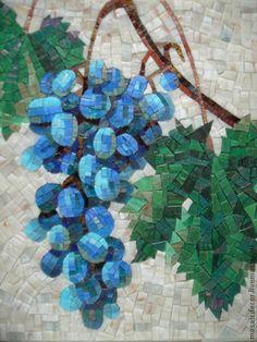 Купить или заказать Виноград, мозаичное панно в интернет-магазине на Ярмарке Мастеров. Виноградная гроздь, небольшая мозаичная работа 30 на 30 см. Возможно изготовление серии подобных панно для комплекта. Такие небольшие панно прекрасно впишутся в интерьер кухни или гостинной. Вы можете заказать повтор этой работы или что то подобное.