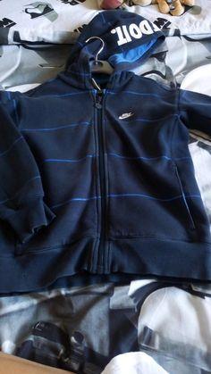 d6bd8defd4cfd Veste garçon Nike - Vends veste garçon Nike taille 6/7 ans. Bon état. Vinted