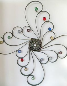 Embelished Wrought Iron Wall DecorSwirls of por CoalCreekCrossing. Toilet Paper Roll Art, Rolled Paper Art, Toilet Paper Roll Crafts, Wire Crafts, Metal Crafts, Wrought Iron Wall Decor, Iron Furniture, Iron Art, Beads And Wire