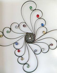 Embelished Wrought Iron Wall DecorSwirls of por CoalCreekCrossing. Ideas para decorar paredes. ¿Si se modela con alambre y en las terminaciones se aplica esmalte de diferentes colores?...