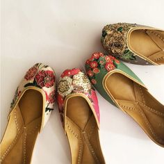 Take your pick from these floral embroidered juttis crafted with love.   . . . . . . . . . #vian #summermeadow #eid #jaalwork #shoelover #juttilove #punjabijutti #juttiswag #wedding #indianwedding #photooftheday #instagood #bridesmaids #mehndigifts #weddingshoes #footwear #jootis #handicraft #coraldreams #corallove