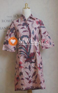 LEPET DRESS (Batik tulis banyuwangi) \  Kode : 100.398 \ Ukuran : S \ Lkr. Dada :... \ Panjang :... \ Harga : Rp. 499.900 disc 10% Rp. 449.910