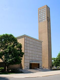 Charles Eames and Eero Saarinen worked on the furnishings for this church: First Christian Church, Columbus, Indiana