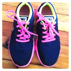 Nike™ ✔️Flex Experience RN 2 Navy & black – Neon pink & yellow. ✔️ Worn just a handful of times. No damage, rips, etc. Nike Shoes