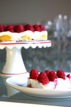 Domestic Sluttery: Gluten Free: White Chocolate Cheesecake