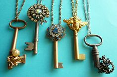 key necklaces...love love love these