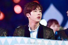 Jin ❤ BTS at the Melon Music Awards (191116) #BTS #방탄소년단
