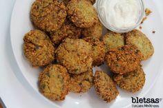Φαλάφελ με σάλτσα γιαουρτιού ή ταχινιού (original) Falafel, Muffin, The Originals, Vegetables, Breakfast, Ethnic Recipes, Greek, Food, Kitchens