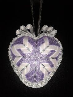 Moje rucni tvorba, falesny patchwork srdce violet.