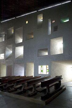 NOTRE DAME DU HAUT • 1954 •  Ronchamp • Le Corbusier • http://www.collinenotredameduhaut.com