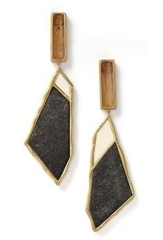 Sut'ana Monique Pean - Woolly, black jade and straw topaz earrings Yes on every level. Modern Jewelry, Jewelry Art, Jewelry Accessories, Fashion Accessories, Fashion Jewelry, Fine Jewelry, Jewelry Making, Bijoux Design, Jewelry Design
