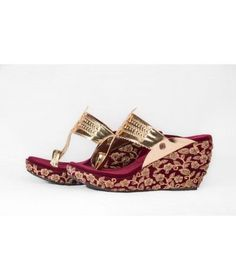 The Shoe Tales specializes in Kolhapuri Wedges. Best Bridal Shoes, Wedding Shoes, Bridal Wedges, Bridal Footwear, Bridal Outfits, Indian Designer Wear, Shoe Closet, Types Of Shoes, Wedding Accessories