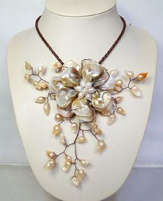 choker necklace,Beaded Jewelry,Pearl Necklace,beadwork necklace,bib necklace,statement necklace,flower necklace With MOP Shell