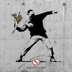 Encuentra tu espacio respeta el de los demás. La expresión pacífica debe ser la que marque el camino.  @Regrann_App from @algoritmove -  Un momento. Ayer fue el día de la no violencia Hoy que vas hacer?  #Bansky #paz #amor #respeto #educacion #cultura #arte #diseño #graffiti  #art #design #streetart #flowers #love @algoritmove - #regrann