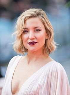 News Photo : Kate Hudson arrives for the european premiere of...