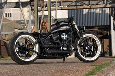 Customized Harley-Davidson Softail Rocker by Thunderbike Customs Germany