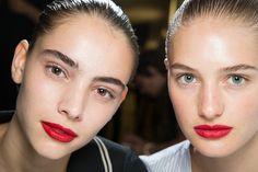 maquillaje-natural-moderno-rendencia-2016-labios-rojos