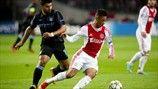 Sergio Agüero (Manchester City FC) & Tobias Sana (AFC Ajax)   Ajax 3-1 Man. City. 24.10.12.
