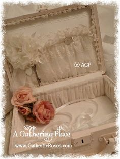 ~A SWEET VINTAGE MAKEOVER - HAND PAINTED PINK ROSE TRAIN CASE~