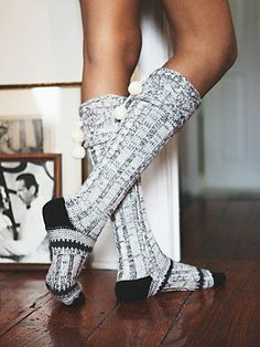 Can't wait to wear my knee high socks around the house! Free People Night kap Slipper Sock I need me a pair of these Looks Style, Style Me, Josie Loves, Mode Cool, Pom Pom Slippers, Look Fashion, Womens Fashion, Fashion Night, Fashion Goth