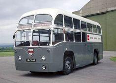 AEC Regal IV - 1953 (BEA Coach - MLL740) - um dos 65 treinadores construído especialmente para a British Airways para o transporte de passageiros entre o Terminal Air West London e o Aeroporto de Heathrow - Inglaterra