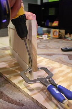 shaker style cabinet doors with kreg jig and router