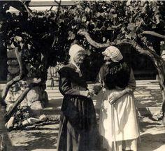 "Senora Maria Antonia Longina Maxima Verdugo (right), known as ""Nanita"" celebrating her 101st birthday on March 15, 1925 at the Verdugo Adobe, with Mrs. Suzanne Hagey (left). Glendale Central Public Library. San Fernando Valley History Digital Library."