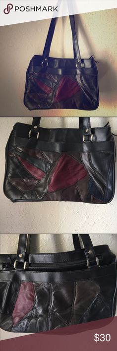 🌷VINTAGE🌷 Patchwork Color Block Shoulder Bag Amazing 80s compartment purse! It's a smaller purse, but you could fit just about anything inside all the compartments and pockets. 💕 Width: 12' Length: 9' (with strap 21') Bags Shoulder Bags