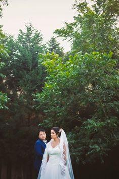 Un día mágico en el mes de las flores #matrimoniocompe #bodasperu #primavera #bodaenprimavera #primaveral #mesdelamorylaamistad Outfit Primavera, Thing 1, Couple Photos, Couples, Fresh Flowers, Simple Wedding Gowns, Elegant Wedding, Beach Weddings, Floral Decorations