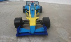 F1  R25  CAMPEON  DE CARTON  RECICLADO
