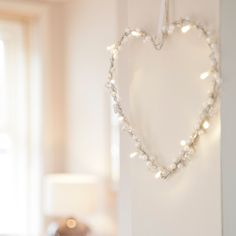 Battery Heart Fairy Light Wreath With 10 Warm White LEDs | Lights4fun.co.uk