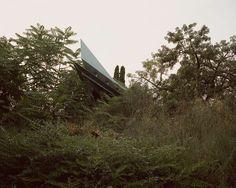 THE GREEN CURTAIN : SALVA LÓPEZ