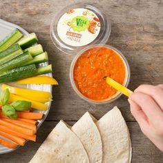 "Unser ""Geheim-Dip"" für graue Wintertage 😉 Tofu, Hummus, Dip, Photo And Video, Ethnic Recipes, Instagram, Hush Hush, Spreads, Products"