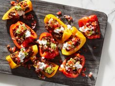 These are loaded with everything you could hope for on nachos—beef, cheese, guac, pico de gallo and sour cream—but instead of chips, pieces of crisp-tender bell pepper make this snack keto-friendly. Low Carb Recipes, Diet Recipes, Cooking Recipes, Healthy Recipes, Cooking Food, Recipies, Whole30 Recipes, Diet Meals, Simple Recipes