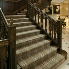 Stylish stair carpet ideas and inspiration. So you can choose the best carpet for stairs.Quality rug for stairs, stairway carpets type, etc. Home Carpet, Wall Carpet, Diy Carpet, Rugs On Carpet, Carpet Ideas, Carpets, Best Carpet For Stairs, Stairway Carpet, Hallway Carpet Runners