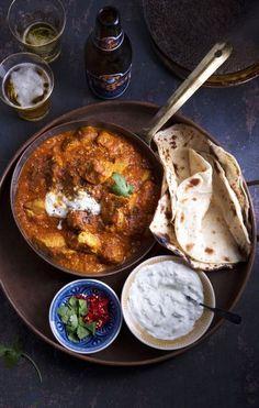 Tervetuloa intialaisiin ruokajuhliin – 4 ihanaa reseptiä   Anna.fi Naan, Chapati, Curry, Good Food, Food And Drink, Cooking, Ethnic Recipes, Koti, Bagels