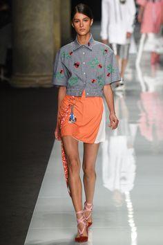 #AuJourLeJour  #fashion  #Koshchenets      Au Jour Le Jour Spring 2017 Ready-to-Wear Collection Photos - Vogue