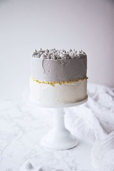 Black Sesame and Matcha Cake Pretty Cakes, Beautiful Cakes, Food Cakes, Cupcake Cakes, Nake Cake, Cake Recipes, Dessert Recipes, Matcha Cake, Bolo Cake