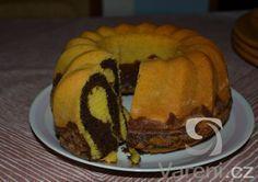 Bábovka ze šlehačky - krásně vláčná Yummy Treats, Food And Drink, Pie, Tasty, Sweets, Cooking, Breakfast, Recipes, Cakes
