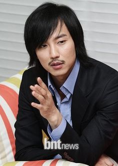 ELLE's video interview with Kim Nam Gil - Bad Guy open set day (14 ...