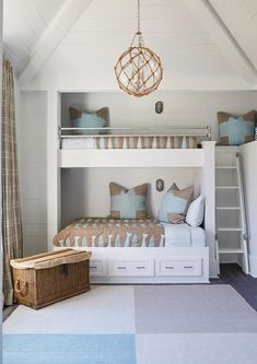 Breathtaking Unique Design Ideas for Stylish Bunk Beds https://fancydecors.co/2017/12/18/unique-design-ideas-stylish-bunk-beds/ The beds come in an assortment of colours and materials to match nearly any decor. #coastalbedroomsteen