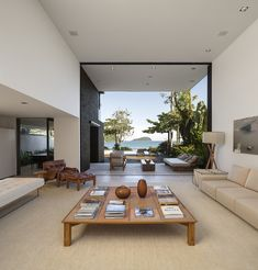 Image 6 of 37 from gallery of Four Houses in Baleia / Studio Arthur Casas. Photograph by Fernando Guerra |  FG+SG