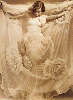 La elegancia y los detalles del vestido de novia