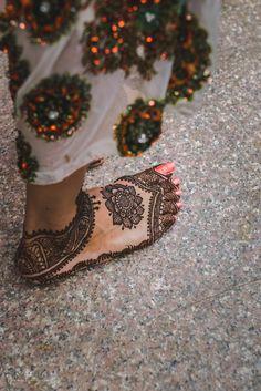 Mehendi Designs - Intricate and Different Mehendi Feet Design | WedMeGood #wedmegood #mehendidesign #mehendi #mehandi #feet #caricature