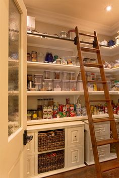 53 Mind-blowing kitchen pantry design ideas I like having a permanent ladder instead of a stool that the kids can snitch and hide in some unknown corner of the house. 53 Mind-blowing kitchen pantry design ideas - Experience Of Pantrys Pantry Room, Pantry Storage, Walk In Pantry, Kitchen Storage, Pantry Closet, Storage Room, Pantry Shelving, Food Storage, Pantry Cupboard