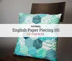 This English Paper Piecing Hexagons Tutorial and sewing video show you just how easy it can be to recreate this pattern. Create the DIY quilt or even a pattern. Sewing Projects, Craft Projects, Cute Quilts, Fabric Scissors, Strip Quilts, Paper Piecing Patterns, English Paper Piecing, Needle And Thread, Fabric Crafts